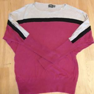 EUC pink/grey/black sweater